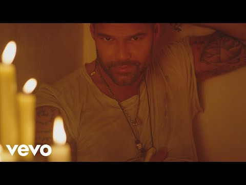 Ricky-Martin---Fiebre--ft.-Wisin-Yandel-video.jpg